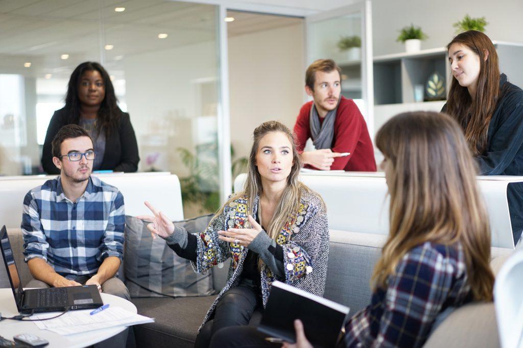 Spreek jij klanten aan met u of jij?