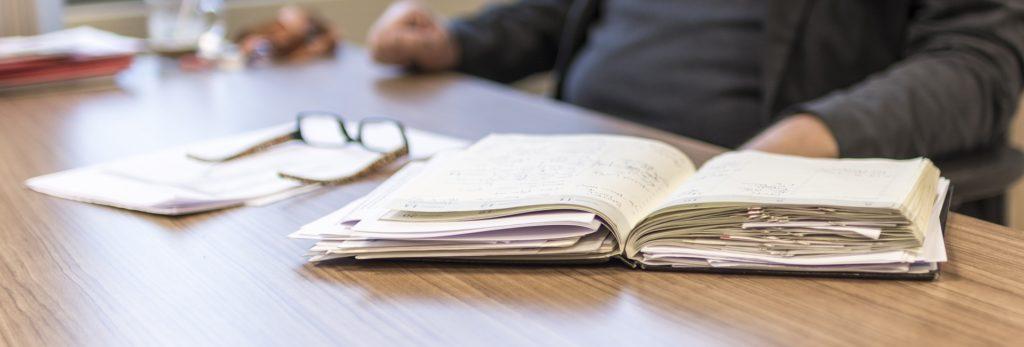 Heb je een overvolle agenda en lukt het daardoor niet om tijd in te plannen om te schrijven voor je bedrijf? Schakel een tekstschrijver in.