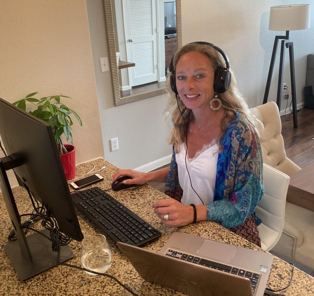 tekstschrijver op afstand - Liesbeth Vegter werkt deels vanuit Houston